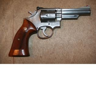 SMITH & WESSON 66 357 MAGNUM