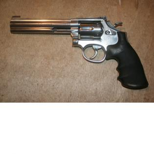 SMITH & WESSON 617 6'' 22LR