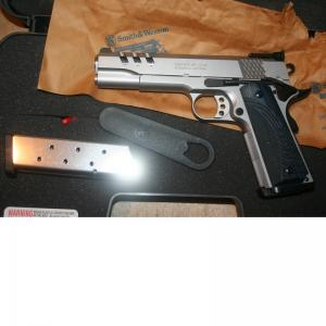 SMITH & WESSON 1911 PC CUSTOM 45ACP